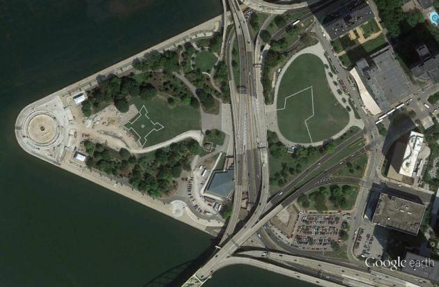 The outlines of Fort Duquesne (smaller, left) and Fort Pitt (larger, right) at Point State Park, Pittsburgh. From Google Earth.